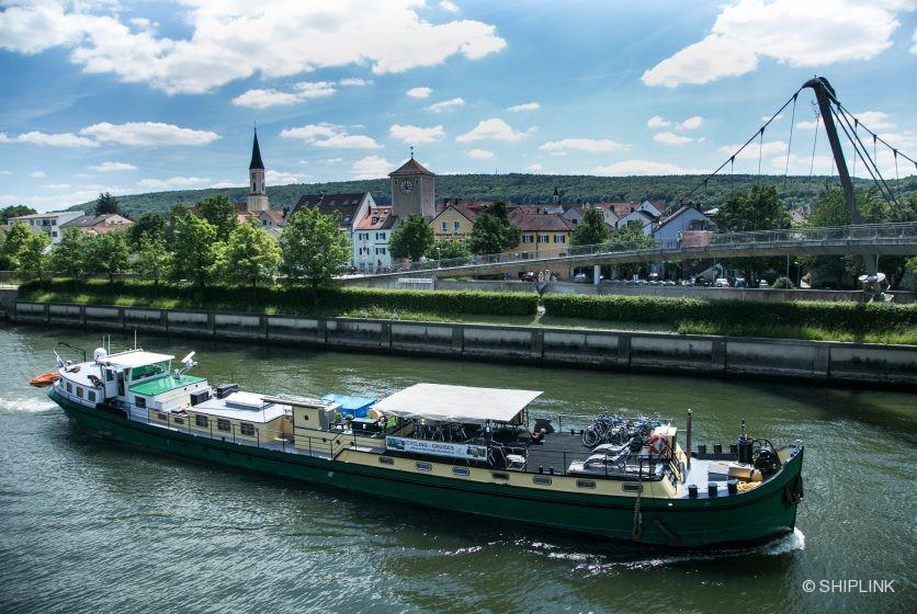 LaBelleFleur sailing along Kelheim 2